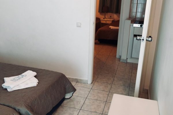 IRIS skiathos - Family Apartment Rooms